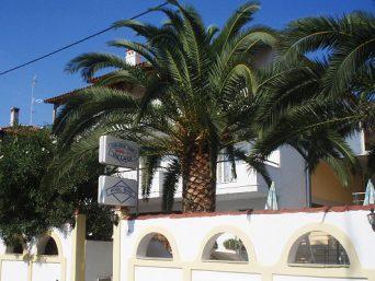 hotel-apartman-golden-sun-pefkohori-1