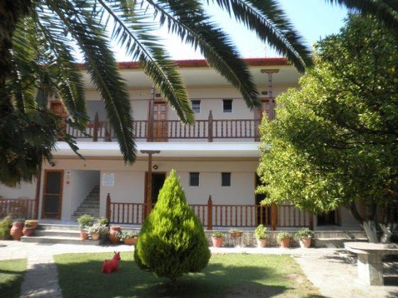 vila-thalia-neos-marmaras-1.jpg
